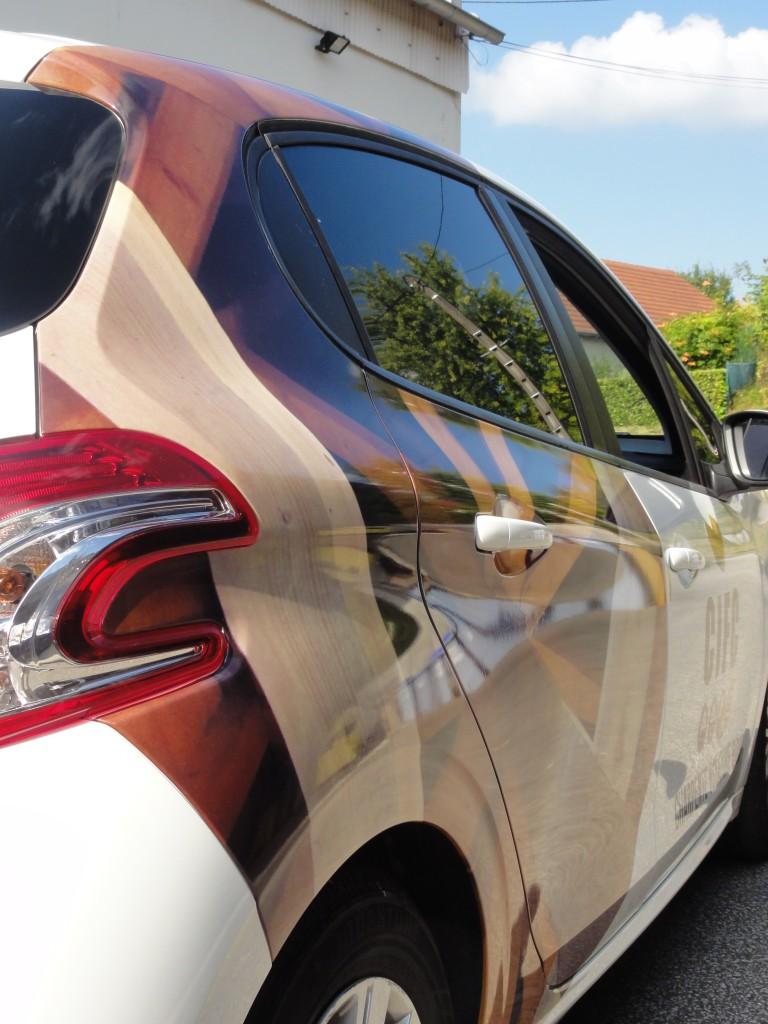 Agora publicit total covering agora publicit - Laver sa voiture au rouleau ...